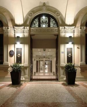 I portici hotel dove dormire a bologna e provincia for Dormire a bologna centro storico